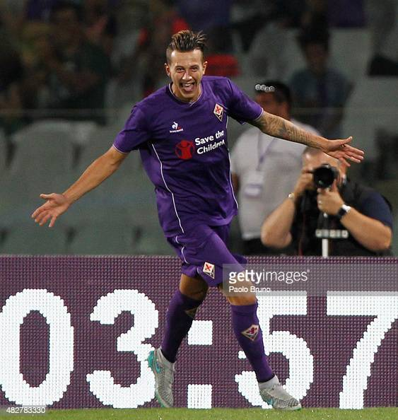 Federico Bernardeschi of ACF Fiorentina celebrates after scoring the opening goal during the preseason friendly match between ACF Fiorentina and FC...