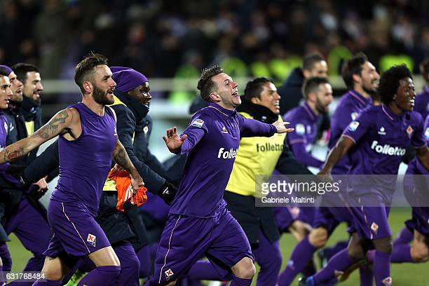 Federico Bernardeschi of ACF Fiorentina celebrates the victory during the Serie A match between ACF Fiorentina and Juventus FC at Stadio Artemio...