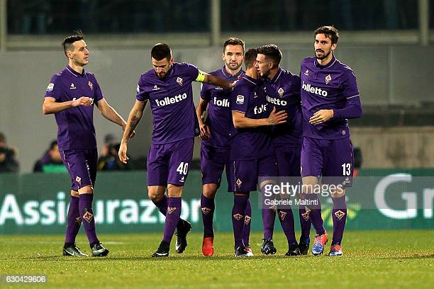 Federico Bernardeschi of ACF Fiorentina celebrates with teammates after scoring a goal during the Serie A match between ACF Fiorentina and SSC Napoli...