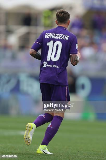 Federico Bernardeschi of ACF Fiorentina in action during the Serie A match between ACF Fiorentina and Empoli FC at Stadio Artemio Franchi on April 15...