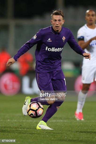 Federico Bernardeschi of ACF Fiorentina in action during the Serie A match between ACF Fiorentina v FC Internazionale at Stadio Artemio Franchi on...