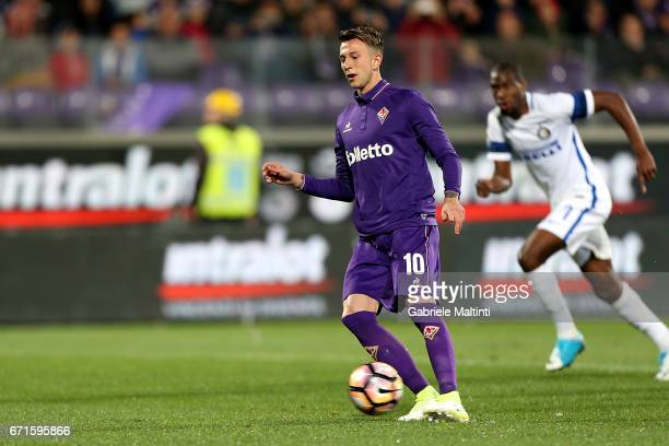 Federico Bernardeschi of ACF Fiorentina misses a penalty during the Serie A match between ACF Fiorentina v FC Internazionale at Stadio Artemio...