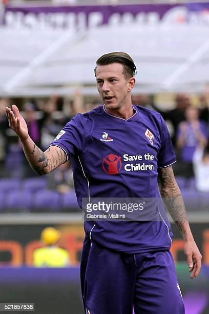 Federico Bernardeschi of ACF Fiorentina reacts during the Serie A match between ACF Fiorentina and US Sassuolo Calcio at Stadio Artemio Franchi on...