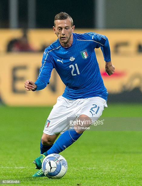 Federico Bernardeschi of Italy runs with the ball during the International Friendly Match between Italy and Germany at Giuseppe Meazza Stadium on...
