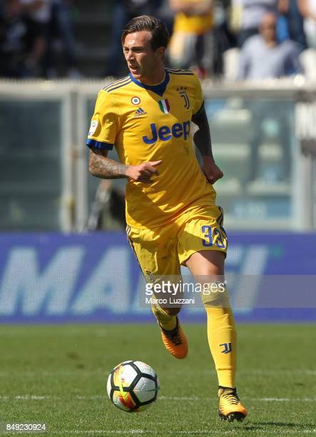 Federico Bernardeschi of Juventus in action during the Serie A match between US Sassuolo and Juventus at Mapei Stadium Citta' del Tricolore on...