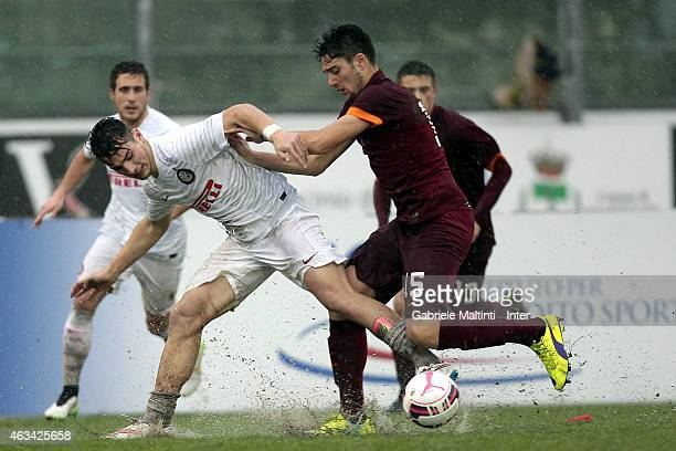 Federico Bonazzoli of FC Internazionale battles for the ball with Riccardo Marchizza of AS Roma during the Viareggio Juvenile Tournament match...