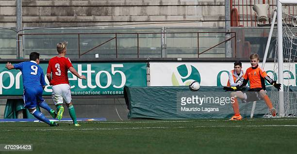 Federico Bonazzoli of Italy scores his team's second goal during the international friendly match between Italy U17 and Hungary U17 at Stadio Oreste...