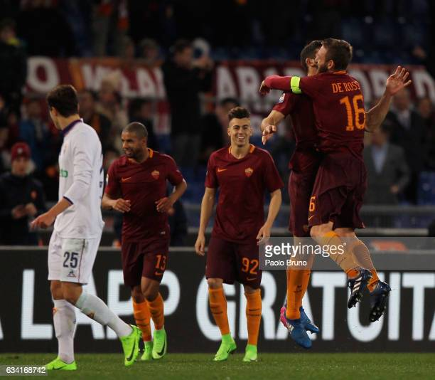 Federico Fazio celebrates with his teammate Daniele De Rossi of AS Roma after scoring the team's second goal during the Serie A match between AS Roma...
