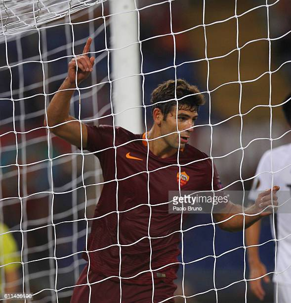 Federico Fazio of AS Roma celebrates after scoring the team's second goal during the UEFA Europa League match between AS Roma and FC Astra Giurgiu at...