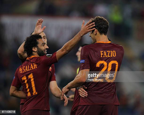 Federico Fazio with his teammates of AS Roma celebrates after scoring the team's second goal during the UEFA Europa League match between AS Roma and...