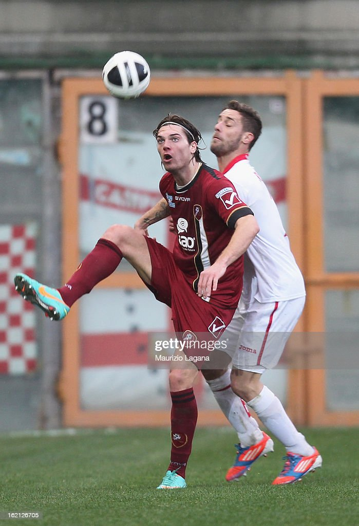 Federico Gerardi (L) of Reggina in action during the Serie B match between Reggina Calcio and Calcio Padova on February 16, 2013 in Reggio Calabria, Italy.