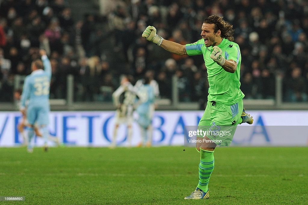 Federico Marchetti of S.S. Lazio celebrates after the equalising goal scored by Stefano Mauri (not pictured) during the TIM cup match between Juventus FC and S.S. Lazio at Juventus Arena on January 22, 2013 in Turin, Italy.