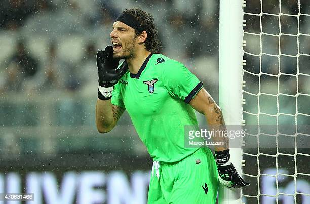 Federico Marchetti of SS Lazio directs his defense during the Serie A match between Juventus FC and SS Lazio at Juventus Arena on April 18 2015 in...