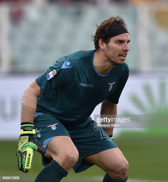 Federico Marchetti of SS Lazio in action during the Serie A match between Pescara Calcio and SS Lazio at Adriatico Stadium on February 5 2017 in...