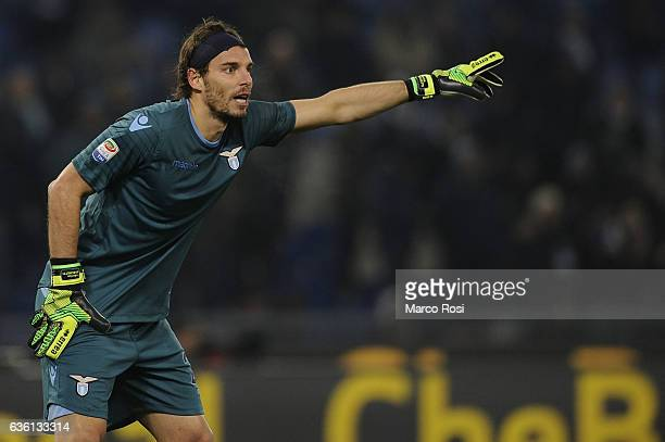 Federico Marchetti of SS Lazio in action during the Serie A match between SS Lazio and ACF Fiorentina at Stadio Olimpico on December 18 2016 in Rome...