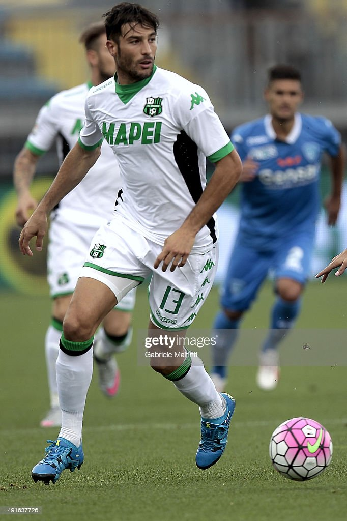 <a gi-track='captionPersonalityLinkClicked' href=/galleries/search?phrase=Federico+Peluso&family=editorial&specificpeople=6336600 ng-click='$event.stopPropagation()'>Federico Peluso</a> of US Sassuolo Calcio in action during the Serie A match between Empoli FC and US Sassuolo Calcio at Stadio Carlo Castellani on October 4, 2015 in Empoli, Italy.