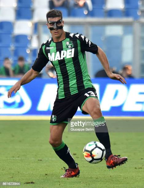 Federico Peluso of US Sassuolo in action during the Serie A match between US Sassuolo and AC Chievo Verona at Mapei Stadium Citta' del Tricolore on...