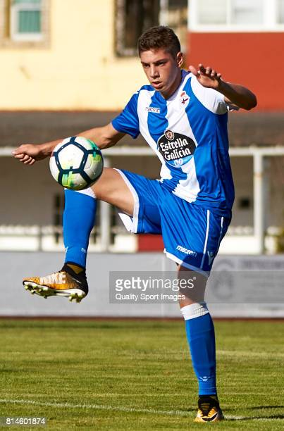 Federico Valverde of Deportivo de La Coruna controls the ball during the preseason friendly match between Arosa SC and Deportivo de La Coruna at...