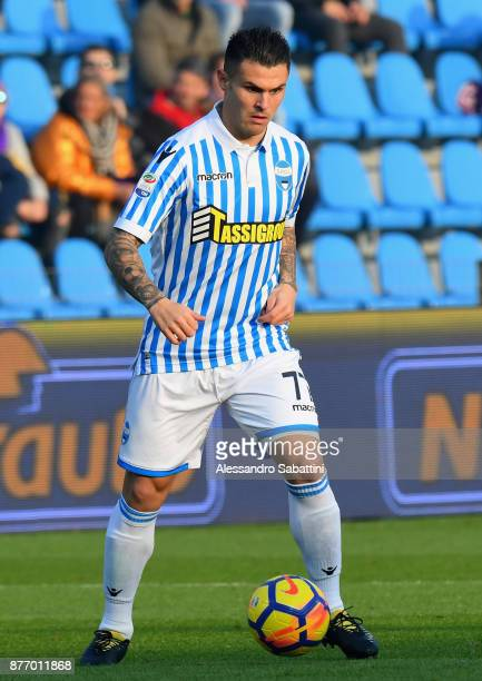 Federico Viviani of Spal in action during the Serie A match between Spal and ACF Fiorentina at Stadio Paolo Mazza on November 19 2017 in Ferrara Italy
