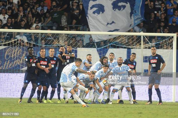 Federico Viviani of Spal scores his team's second gola during the Serie A match between Spal and SSC Napoli at Stadio Paolo Mazza on September 23...