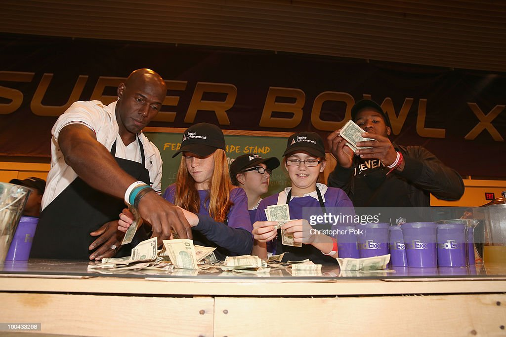 FedEx enlisted Green Bay Packers wide receiver <a gi-track='captionPersonalityLinkClicked' href=/galleries/search?phrase=Donald+Driver&family=editorial&specificpeople=167128 ng-click='$event.stopPropagation()'>Donald Driver</a> and Washington Redskins running back <a gi-track='captionPersonalityLinkClicked' href=/galleries/search?phrase=Alfred+Morris&family=editorial&specificpeople=6350964 ng-click='$event.stopPropagation()'>Alfred Morris</a> to run a lemonade stand with Junior Achievement students in the Super Bowl XLVII Media Center, one of the most highly-trafficked venues of the Super Bowl city. The event celebrated the 10th season of the FedEx Air & Ground NFL Players of the Year awards and allowed the students to run their first business.