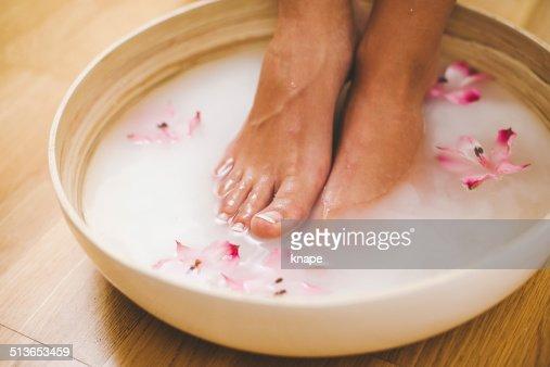 Αποτέλεσμα εικόνας για feet in milk