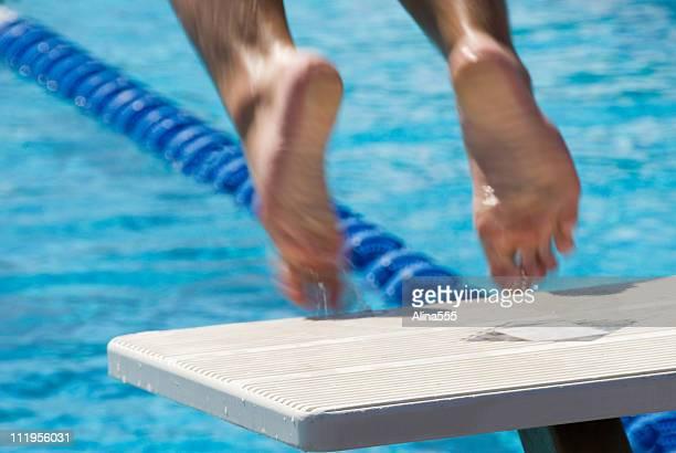 Pieds de natation quitter le groupe