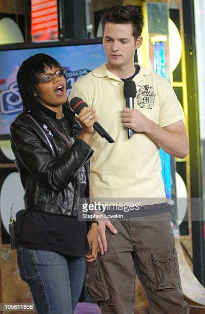 Fefe Dobson and MTV's Damien Fahey during Fefe Dobson Stops by MTV's 'TRL' August 4 2004 at MTV Studios Times Square in New York City New York United...