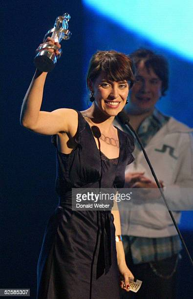 Feist accepts her Juno for Best New Artist of the Year during the 2005 Juno Awards ceremony April 3 2005 in Winnipeg Canada The Juno Awards are the...