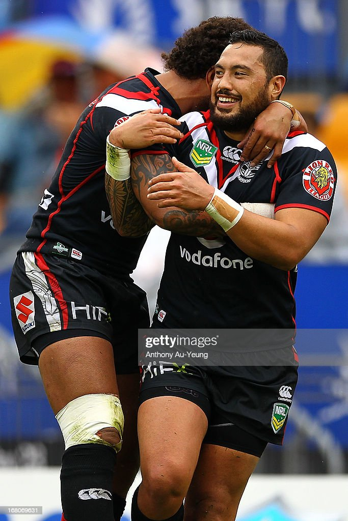 Feleti Mateo of the Warriors celebrates his try with <a gi-track='captionPersonalityLinkClicked' href=/galleries/search?phrase=Manu+Vatuvei&family=editorial&specificpeople=540239 ng-click='$event.stopPropagation()'>Manu Vatuvei</a> during the round eight NRL match between the New Zealand Warriors and the Gold Coast Titans at Mt Smart Stadium on May 5, 2013 in Auckland, New Zealand.
