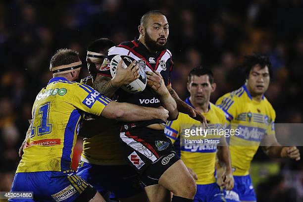 Feleti Mateo of the Warriors charges forward during the round 18 NRL match between the New Zealand Warriors and the Parramatta Eels at Mt Smart...