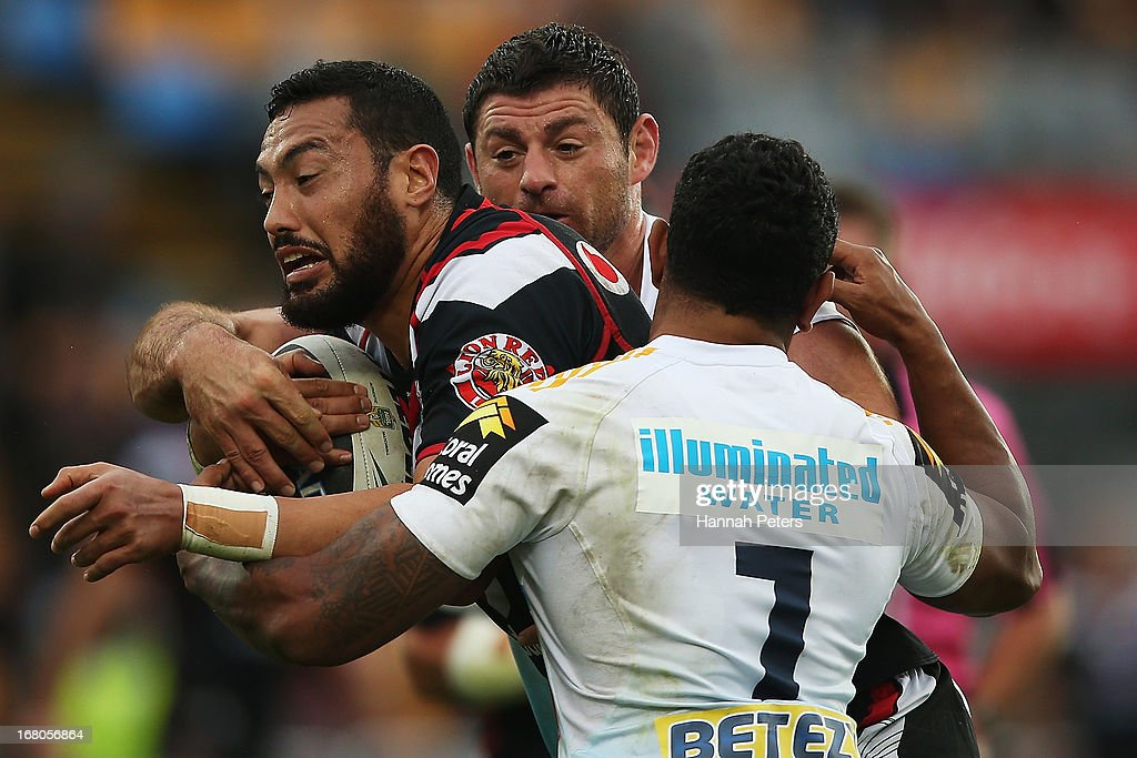 Feleti Mateo of the Warriors charges forward during the round eight NRL match between the New Zealand Warriors and the Gold Coast Titans at Mt Smart Stadium on May 5, 2013 in Auckland, New Zealand.