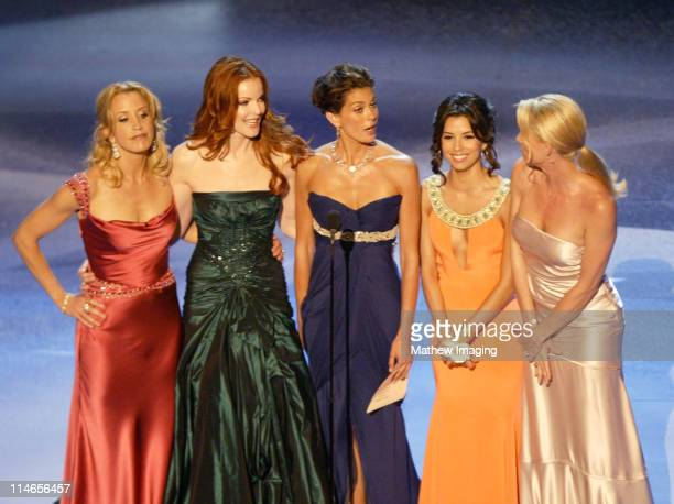 Felicity Huffman Marcia Cross Teri Hatcher Eva Longoria and Nicollette Sheridan presenters Outstanding Supporting Actor in A Comedy Series