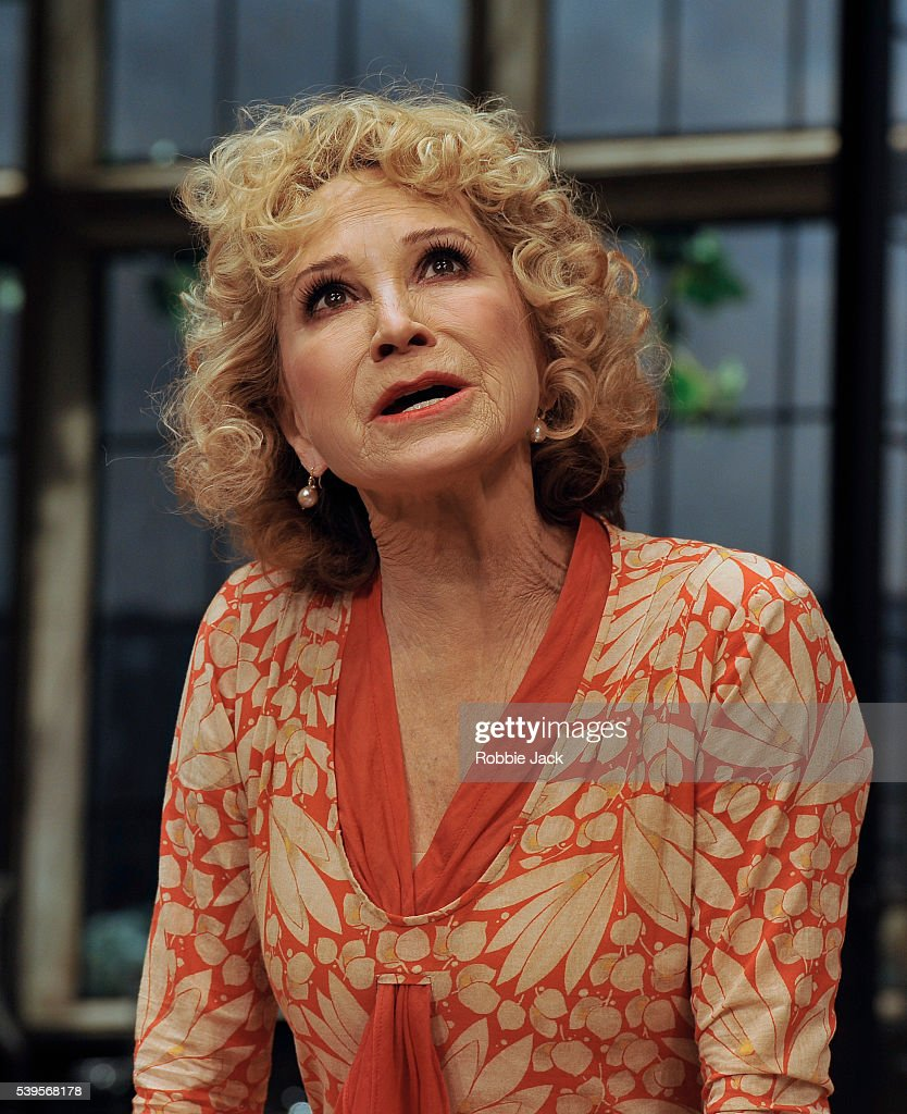 Felicity Kendal nude (16 images) Tits, Facebook, butt