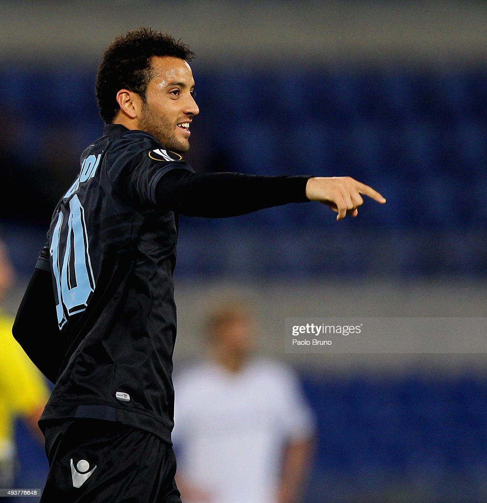 <a gi-track='captionPersonalityLinkClicked' href=/galleries/search?phrase=Felipe+Anderson&family=editorial&specificpeople=7358255 ng-click='$event.stopPropagation()'>Felipe Anderson</a> of SS Lazio celebrates after scoring the team's second goal during the UEFA Europa League group G match between SS Lazio and Rosenborg BK at Stadio Olimpico on October 22, 2015 in Rome, Italy.