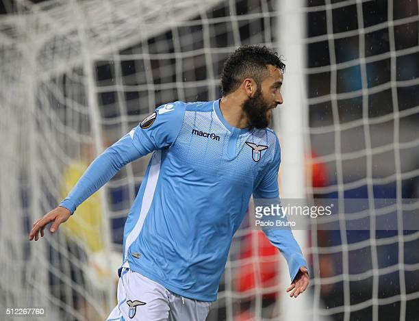Felipe Anderson of SS Lazio celebrates after scoring the team's second goal during the UEFA Europa League Round of 32 second leg match between Lazio...