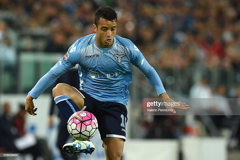 <a gi-track='captionPersonalityLinkClicked' href=/galleries/search?phrase=Felipe+Anderson&family=editorial&specificpeople=7358255 ng-click='$event.stopPropagation()'>Felipe Anderson</a> of SS Lazio controls the ball during the Serie A match between Juventus FC and SS Lazio at Juventus Arena on April 20, 2016 in Turin, Italy.