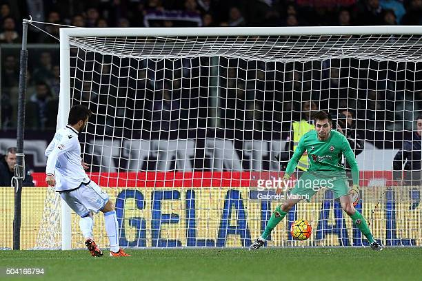 Felipe Anderson of SS Lazio scores a goal during the Serie A match between ACF Fiorentina and SS Lazio at Stadio Artemio Franchi on January 9 2016 in...