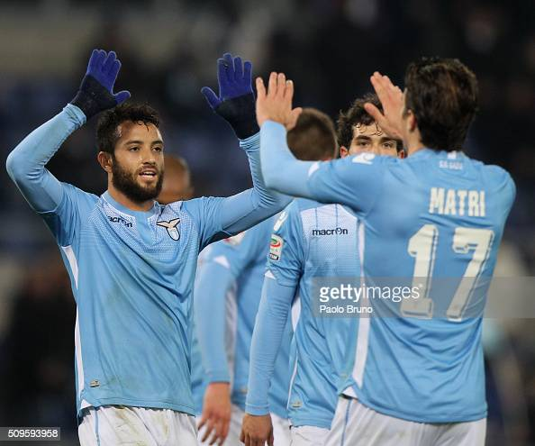 Felipe Anderson with his teammates of SS Lazio celebrates after scoring the team's third goal during the Serie A match between SS Lazio and Hellas...