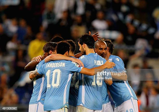 Felipe Anderson with his teammates of SS Lazio celebrates the victory after the Serie A match between SS Lazio and Frosinone Calcio at Stadio...