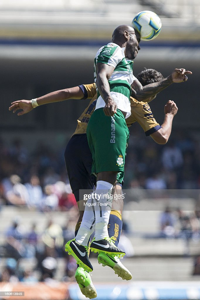 Felipe Baloy of Santos in action during a match between Pumas and Santos as part of the Clausura 2013 at Olímpico Stadium on February 03, 2013 in Mexico City, Mexico.