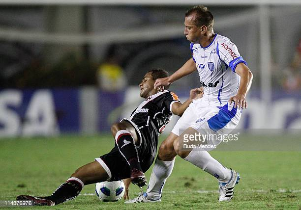 Felipe Bastos of Vasco struggles for the ball with Marquinhos of Avai during a match as part of Brazil Cup 2011 at Sao Januario stadium on May 18...