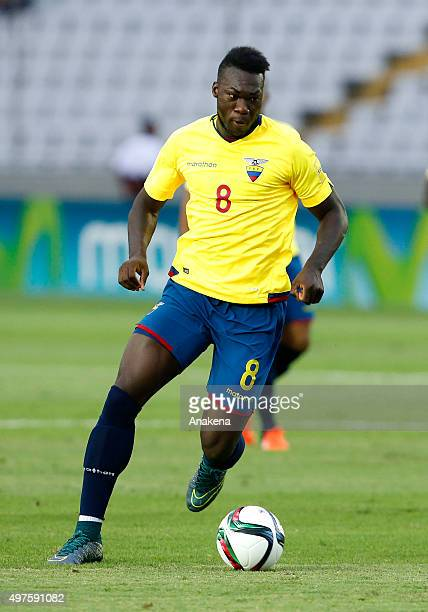 Felipe Caicedo of Ecuador drives the ball during a match between Venezuela and Ecuador as part of FIFA 2018 World Cup Qualifiers at CTE Cachamay...
