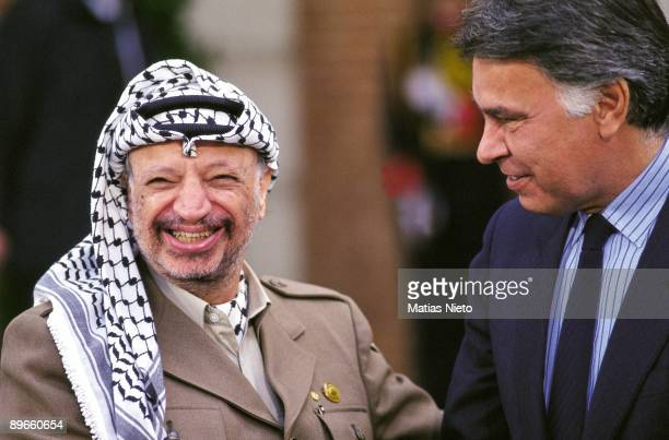 Felipe Gonzalez and Yasser Arafat in La Moncloa The president of the Government and the PLO leader during a meeting