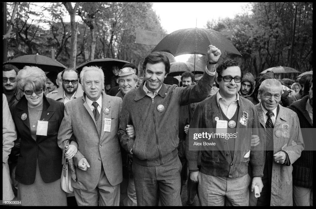 <a gi-track='captionPersonalityLinkClicked' href=/galleries/search?phrase=Felipe+Gonzalez&family=editorial&specificpeople=6081940 ng-click='$event.stopPropagation()'>Felipe Gonzalez</a> Marquez, General Secretary of the Spanish Socialist Workers' Party (PSOE), leads the May Day celebrations in Madrid, 1st May 1978. Gonzalez was Prime Minister of Spain from 1982 to 1996.