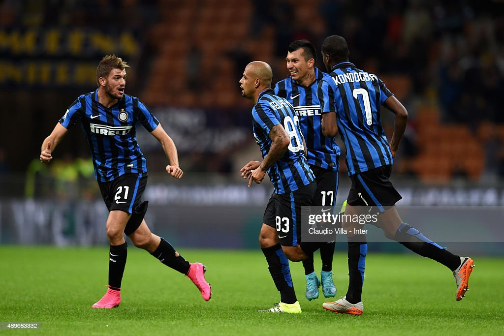 <a gi-track='captionPersonalityLinkClicked' href=/galleries/search?phrase=Felipe+Melo&family=editorial&specificpeople=646942 ng-click='$event.stopPropagation()'>Felipe Melo</a> of FC Internazionale #83 celebrates after scoring the opening goal during the Serie A match between FC Internazionale Milano and Hellas Verona FC at Stadio Giuseppe Meazza on September 23, 2015 in Milan, Italy.