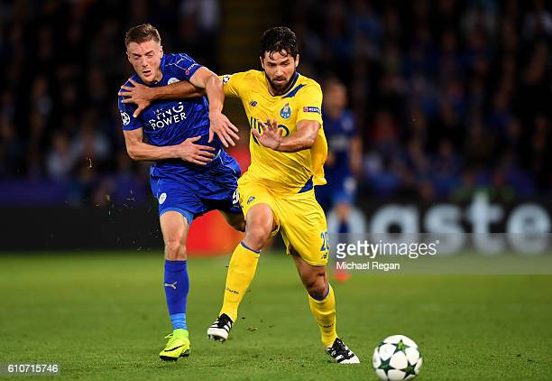 Felipe of FC Porto battles with Jamie Vardy of Leicester City during the UEFA Champions League Group G match between Leicester City FC and FC Porto...