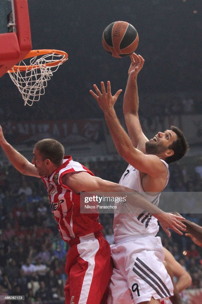 <a gi-track='captionPersonalityLinkClicked' href=/galleries/search?phrase=Felipe+Reyes&family=editorial&specificpeople=732755 ng-click='$event.stopPropagation()'>Felipe Reyes</a>, #9 of Real Madrid in action during the Turkish Airlines Euroleague Basketball Play Off Game 4 between Olympiacos Piraeus v Real Madrid at Peace and Friendship Stadium on April 23, 2014 in Athens, Greece.