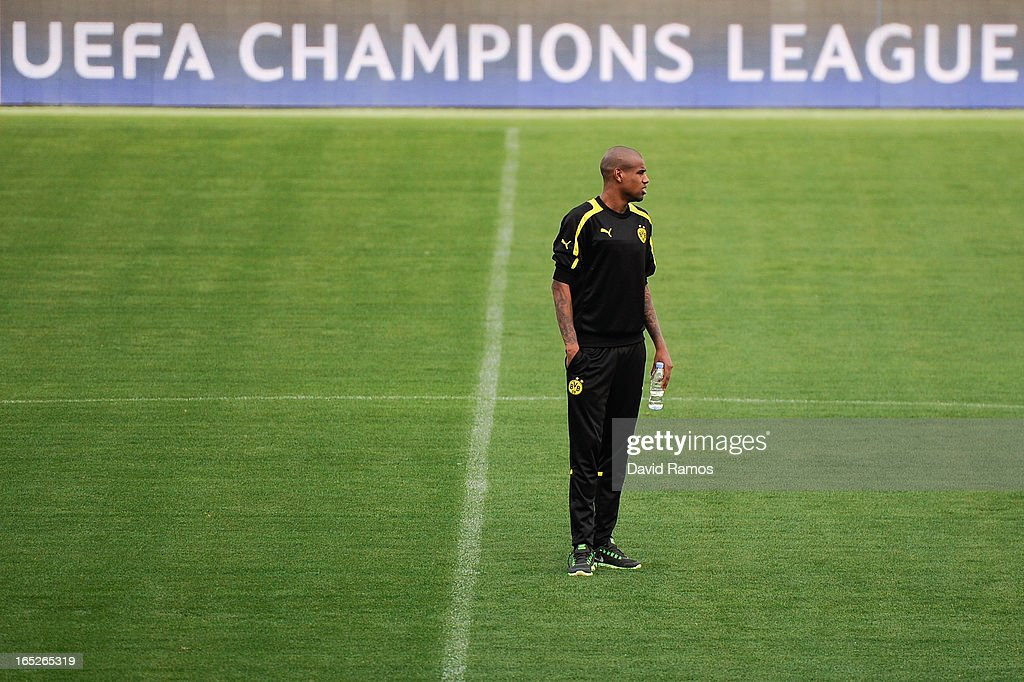 <a gi-track='captionPersonalityLinkClicked' href=/galleries/search?phrase=Felipe+Santana&family=editorial&specificpeople=5422021 ng-click='$event.stopPropagation()'>Felipe Santana</a> of Borussia Dortmund looks on during training session ahead of the UEFA Champions League quarter-final first leg match against Malaga CF at La Rosaleda Stadium on April 2, 2013 in Malaga, Spain.