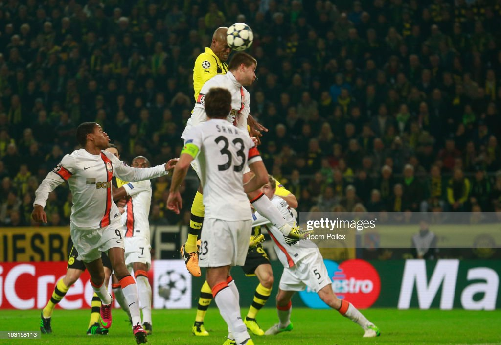 <a gi-track='captionPersonalityLinkClicked' href=/galleries/search?phrase=Felipe+Santana&family=editorial&specificpeople=5422021 ng-click='$event.stopPropagation()'>Felipe Santana</a> (C) of Dortmund scores his team's first goal during the UEFA Champions League round of 16 leg match between Borussia Dortmund and Shakhtar Donetsk at Signal Iduna Park on March 5, 2013 in Dortmund, Germany.